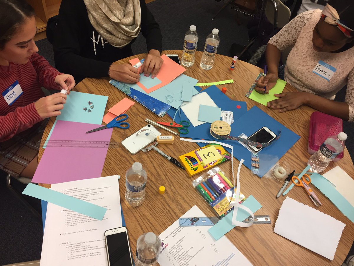 Students making cards for BAK center